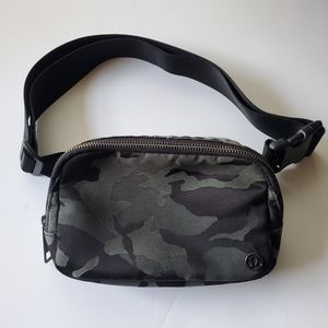 Lululemon Everywhere Belt Bag 1L Camo Fanny Pack